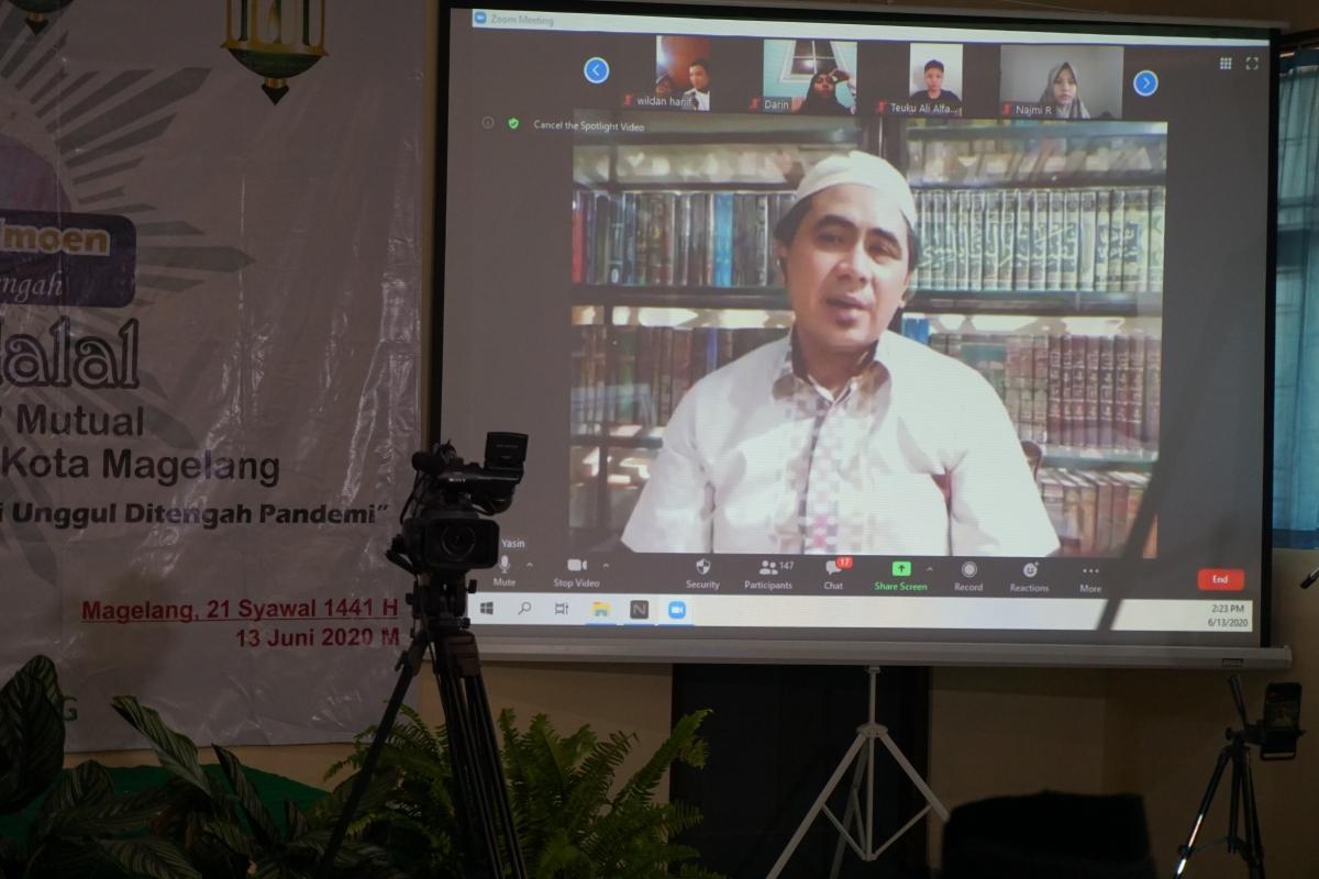 Pesan Wagub Jateng Dalam Mengisi Halal Bi Halal SMP Mutual Berbasis Virtual